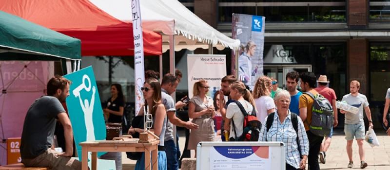 Contact & Connect e.V. un der Karrieretag Freiburg 2018 auf dem Platz der alten Synagoge